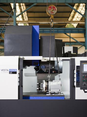 VESTA-1050B - Crane loading